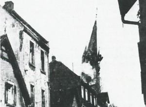 Abschuss_des_Kirchturms_25_03_1945