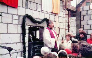 Grundsteinlegung am 9. Dezember 1984