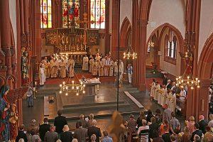 Blick_in_die_Kirche_1